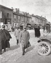 Le général Joffre et le général Pétain à Verdun