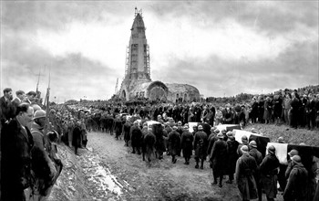 Inauguration de l'ossuaire de Douaumont