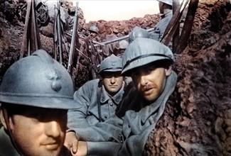 Soldats français dans une tranchée, 1916