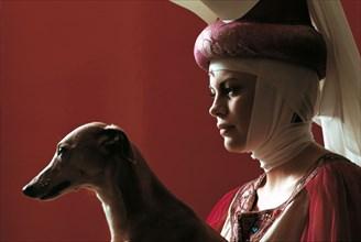 Mireille Mathieu en dame du Moyen-Age, Paris