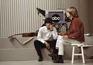 Brian Jones et Keith Richards dans les studios de télévision ABC à Los Angeles