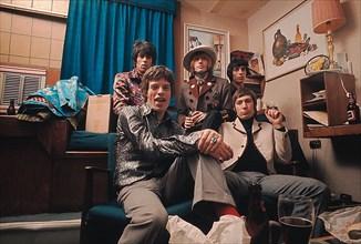 Les Rolling Stones dans leur loge à Los Angeles