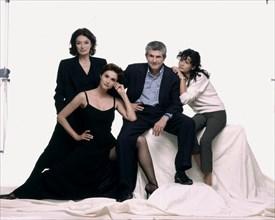 """Anouk Aimée, Alessandra Martines, Claude Lelouch, Salomé Lelouch, équipe du film """"Hommes, femmes: mode d'emploi"""""""