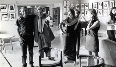 Roger Thérond et ses trois filles : Eve, Emilie et Eléonore
