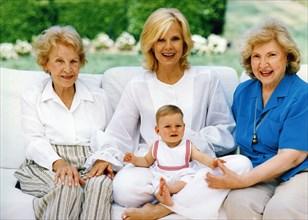 Sylvie Vartan, sa fille adoptive, Darina, sa mère et sa cousine