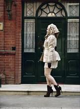 Vivienne Westwood dans les rues de Londres en mars 1994