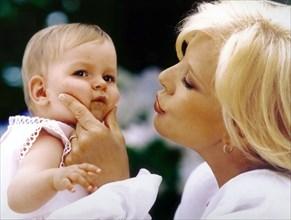 Sylvie Vartan et sa fille adoptive Darina
