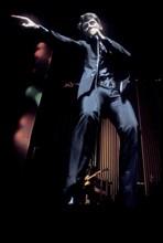 Johnny Hallyday sur la scène de l'Olympia