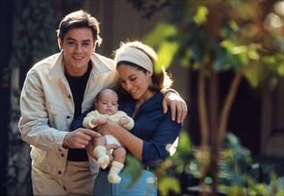 Alain Delon avec sa femme et son fils