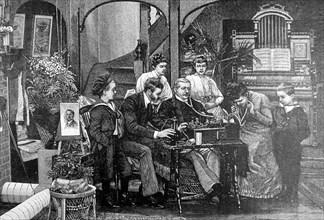 Le phonographe en famille