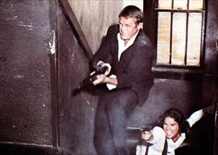 Getaway  Getaway,  Steve McQueen, Ali McGraw Auch bei dem Bankueberfall ist Carol (Ali McGraw) der Seite von Doc McCoy (Steve