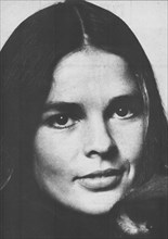 Ali McGraw, American film actress in a 1970 photo. Her films include LOVE STORY (1970) with Ryan O'Neal, and THE GETAWAY (1972) with Steve McQueen. She also made a yoga exercise video.