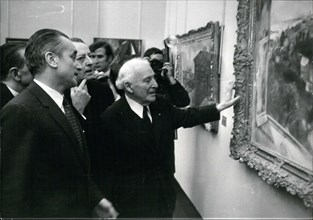 Dec. 13, 1969 - Chaban-Delmas and Malraux Looking at a Chagall Painting