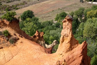 Hoodoo on the site of the Colorado of Rustrel (Provence - France): remains of ochre quarries (France). Le Colorado de Rustrel.