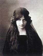 Jeanne Hebuterne, vers 1914