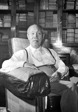 Dong Biwu (Wade-Gles: Tung Pi-wu) was born in Huanggang, Hubei. In 1911 he joined the Tongmenghui, and participated in the Xinhai Revolution. Twice he went to Japan to study at Nihon University. In 19...