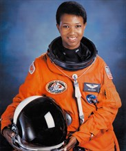 Official portrait of NASA STS-47 Spacelab-J Space Shuttle Endeavour mission prime crew astronaut Dr. Mae Jemison in an orange spacesuit at the Johnson Space Center July 1, 1992 in Houston, Texas. Jami...