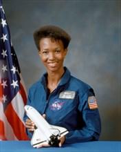 S87-45893 (October 1987) --- Astronaut Mae Jemison