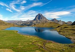 Lac Gentau taken from Refuge Ayous (1,980m) towards Pic du Midi d'Ossau (2,884m), French Pyrénées, France
