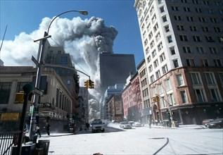 World Trade Center fire/ terrorism September 11, 2001. Tower One collapses. (© Richard B. Levine)
