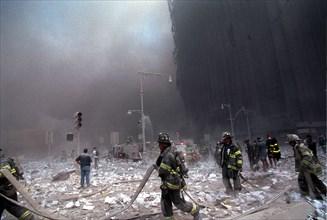 World Trade Center fire/ terrorism September 11, 2001. Liberty and West Streets. (© Richard B. Levine)