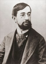 Henri Marie Raymond de Toulouse Lautrec Monfa, 1864 - 1901.  French artist, printmaker, draftsman and illustrator.  Photograph by Paul Sescau, 1858 - 1926, professional photographer and friend of Laut...