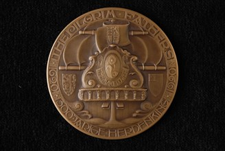 "N.V. Ateliers voor edelsmeed- en penningkunst v.h. ""Koninklijke Begeer"", Bronze medal to commemorate the Pilgrim fathers"