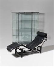 Chaise longue récente, d'après le modèle LC4 de 1929 de Charlotte Perriand et Le Corbusier