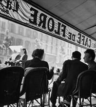 Un café parisien