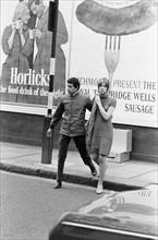 Jean-Marie Périer et Françoise Hardy à Londres, le 11 octobre 1965