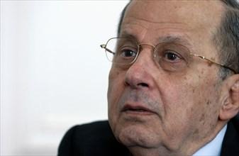Le général libanais Michel Aoun à Paris, avril 2004
