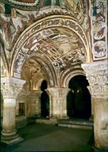 Panthéon avec chapiteaux datant de la fin du 11e siècle