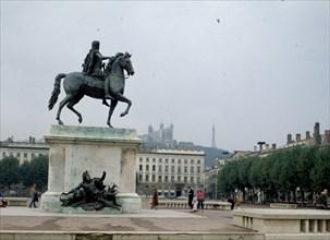 Statue équestre de Louis XIV, place Bellecour à Lyon
