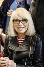 Mireille Darc au Salon du livre de Paris 2014