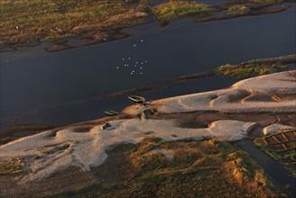 Vue aérienne du Nil entre Louxor et Assouan