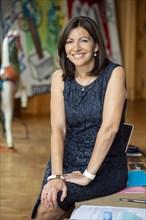 Anne Hidalgo dans son bureau de la Mairie de Paris (2016)