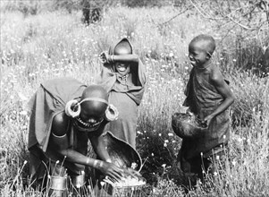 Kikuyu pyrethrum pickers