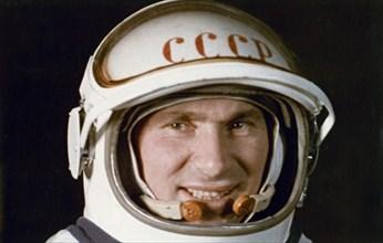 Soviet cosmonaut pavel belyayev, voskhod 2 mission, 1965.