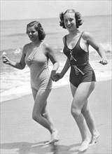 Beach Jogging Pals