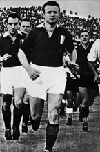 Torino Football Club 1949 victims of the plane crash. The Capitan Mazzola start the last game