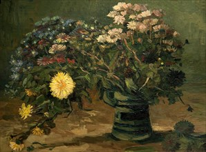 Still life with bunch of daisy