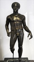 Sculpture of an athlete