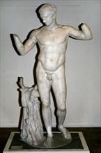 Diadumenos by  Polyclitus. 420 BC.