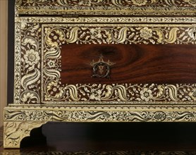 Petite commode, Inde
