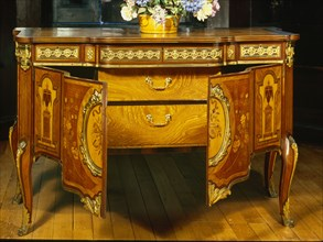 Commode. France, late 17th century